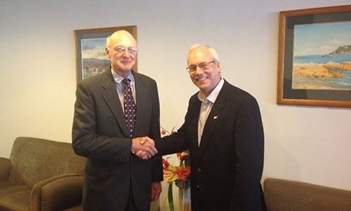 Capt. (NOAA ret.) Andy Armstrong (left) with IBSC Chair, Mr. Adam Greenland (right) at the 40th meeting of the IBSC in Willington, New Zealand.
